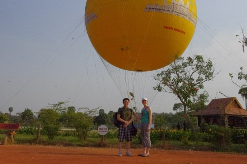 Our first attempt to ride the balloon early in the morning