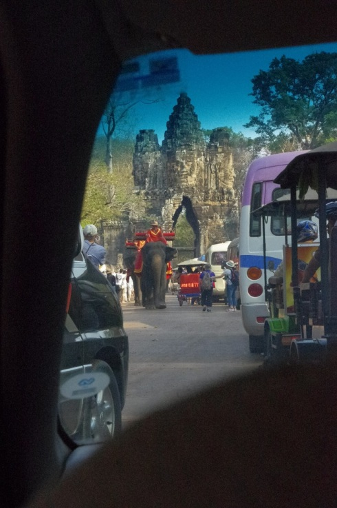 A traffic jam - Angkor Wat style