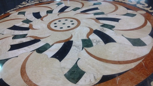 Beautiful tiled floors - spotless!