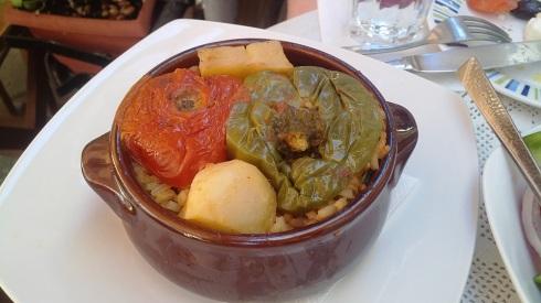 Stuffed tomatoes - a vegetarian lunch